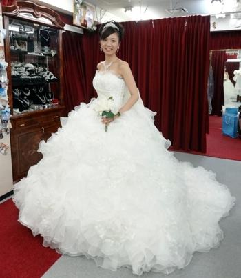 ウェディングドレスショップアトリエアンのブログ » ドレスは